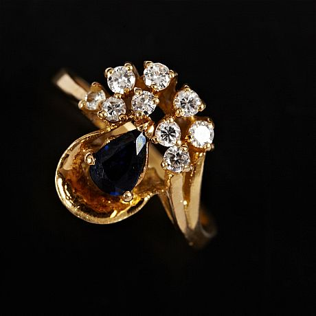 Ring 18 k guld safir diamanter