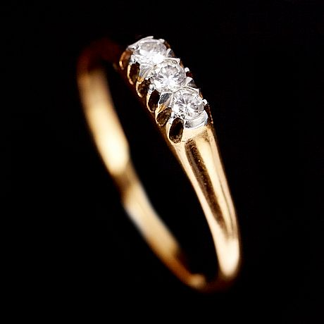 Ring 18 k guld diamanter