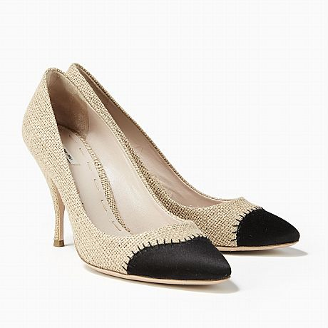 Miu Miu, pumps i beige canvas med tå i svart satin