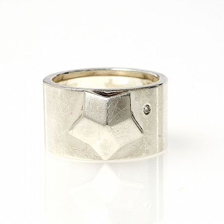 Fred Paris ring i sterlingsilver med stjärna