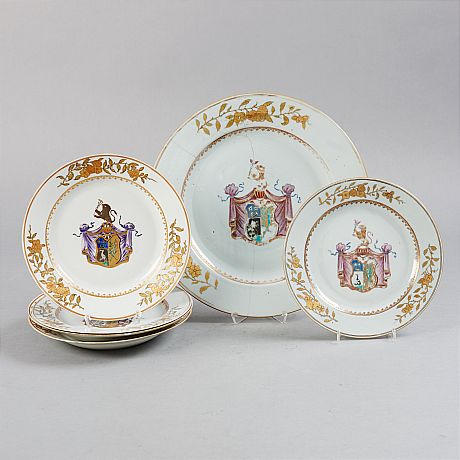 A Set of Armorial Plates (OrientalSelected)