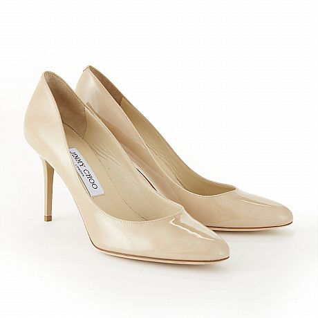 Jimmy Choo, pumps i nudefärgat lackat skinn