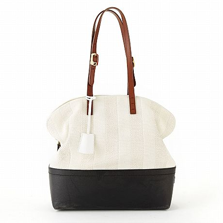 Fendi, axelbandsväska 2bag i beige canvas