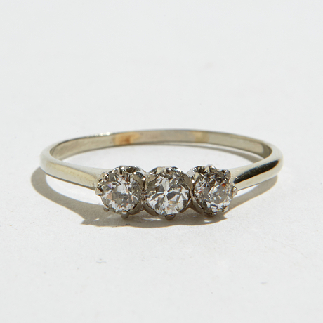 Ring 14 k vitguld diamanter