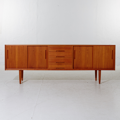 Nils Jonsson sideboard Cicant