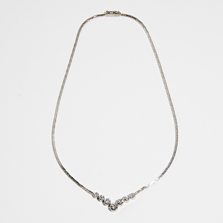 Collier 18 k vitguld diamanter