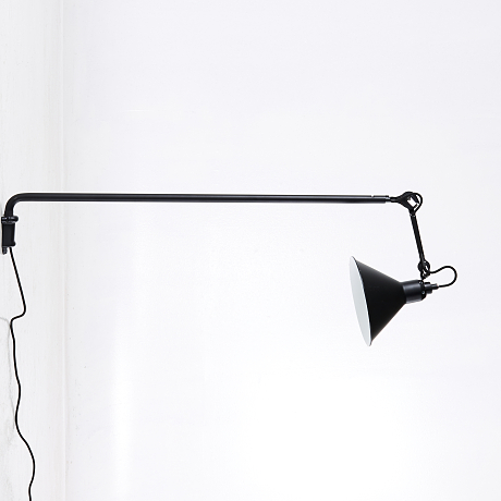 DCW Editions ''Lampe Gras 213'' vägglampa