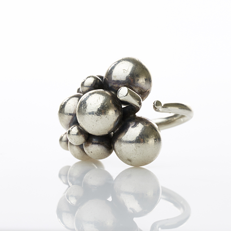 Georg Jensen ''Moonlight grapes'' ring