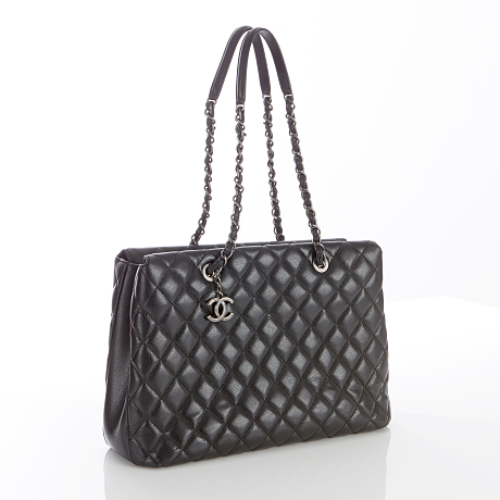 Chanel axelbandsväska New Bubble Quilted Tote