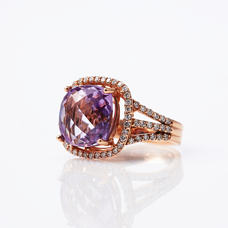 Ring 18 k roséguld diamanter