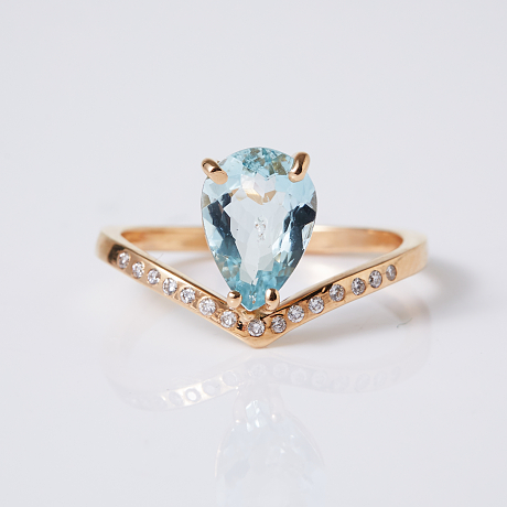 Ring 18 k guld aquamarin diamanter